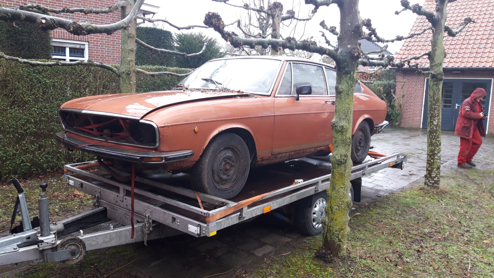 oldtimer-youngtimer-restauration-osteuropa-tschechei-audi-100-c1-coupe