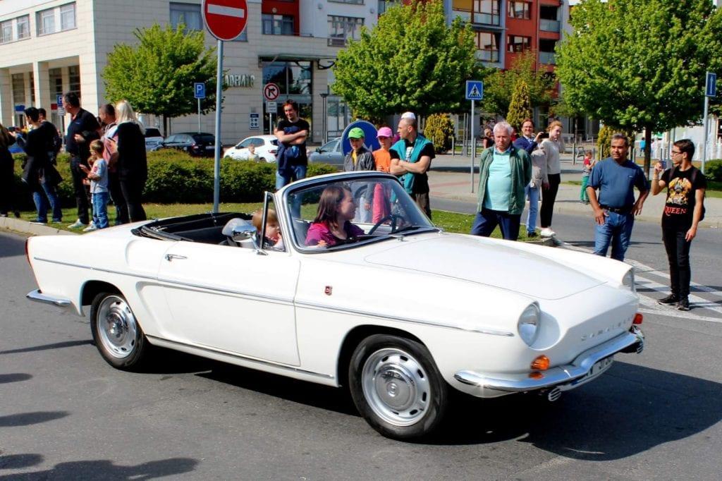 Renault Caravelle youngtimer oldtimer restauration restaurierung