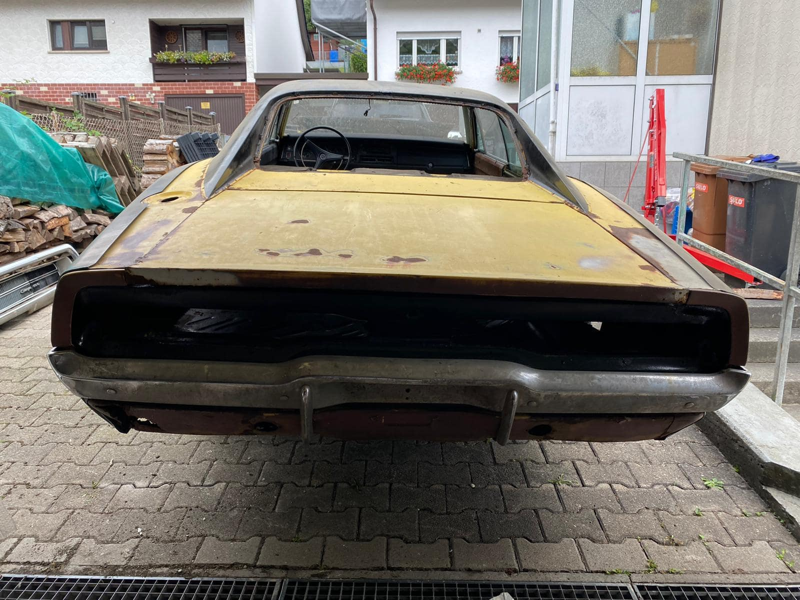 oldtimer-youngtimer-restauration-polen-tschechien-dodge-charger-karosserie-restauration